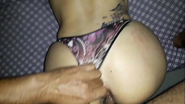 Caseirasbrasil esposa dando a buceta com a calcinha de lado