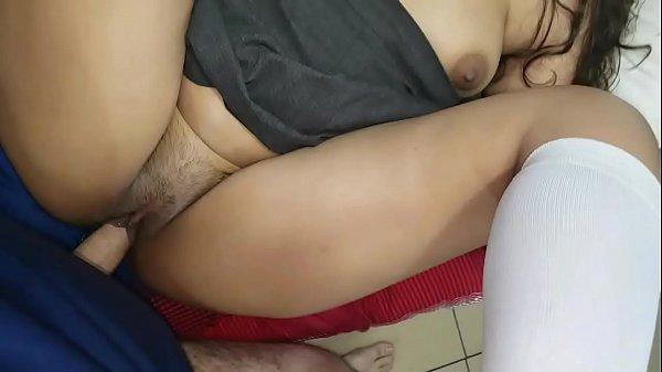 Porno blog morena com roupa de estudando dando buceta
