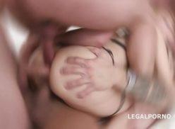 Sonocuzinho loira sendo arrombada por dois homens