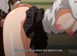 Hentai sem censura comendo novinha na escola