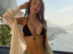 Nyvi Estephan nua em ensaio da Revista Playboy