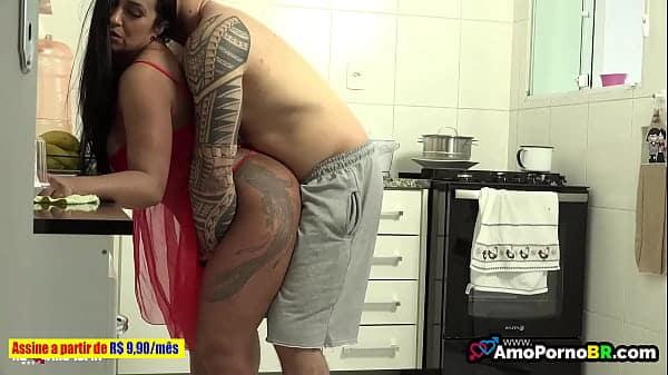 Sexo brasileiros pegando esposa gostosa na hora do almoço